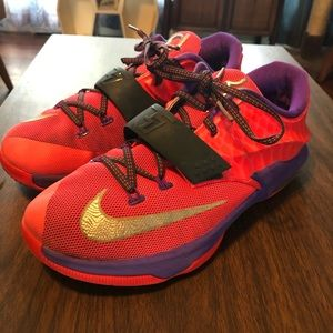 Nike Kevin Durant KD7's Shoes - Size 7Y